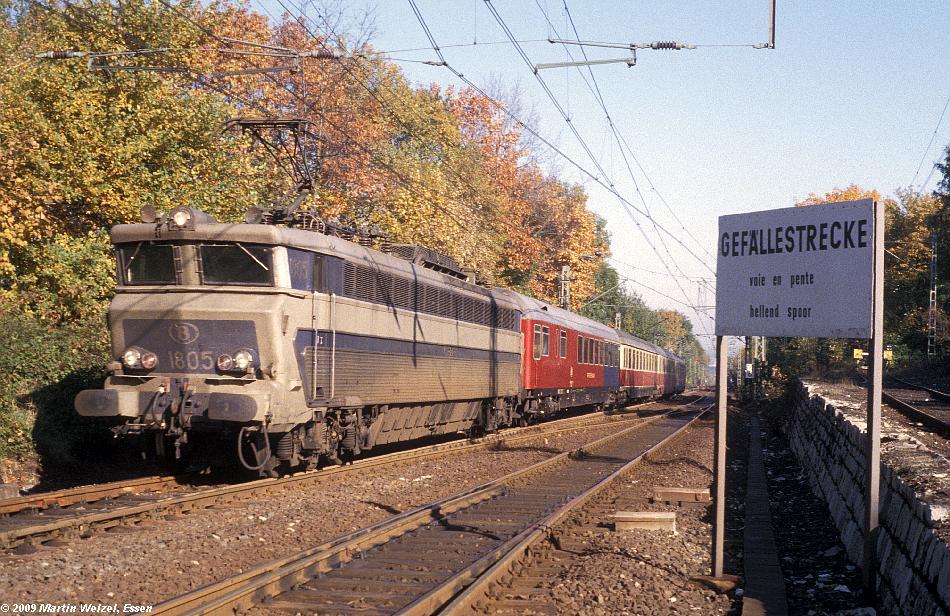 http://www.eisenbahnhobby.de/Aachen/109-28_1805_Aachen-Sued_2-11-78_S.JPG