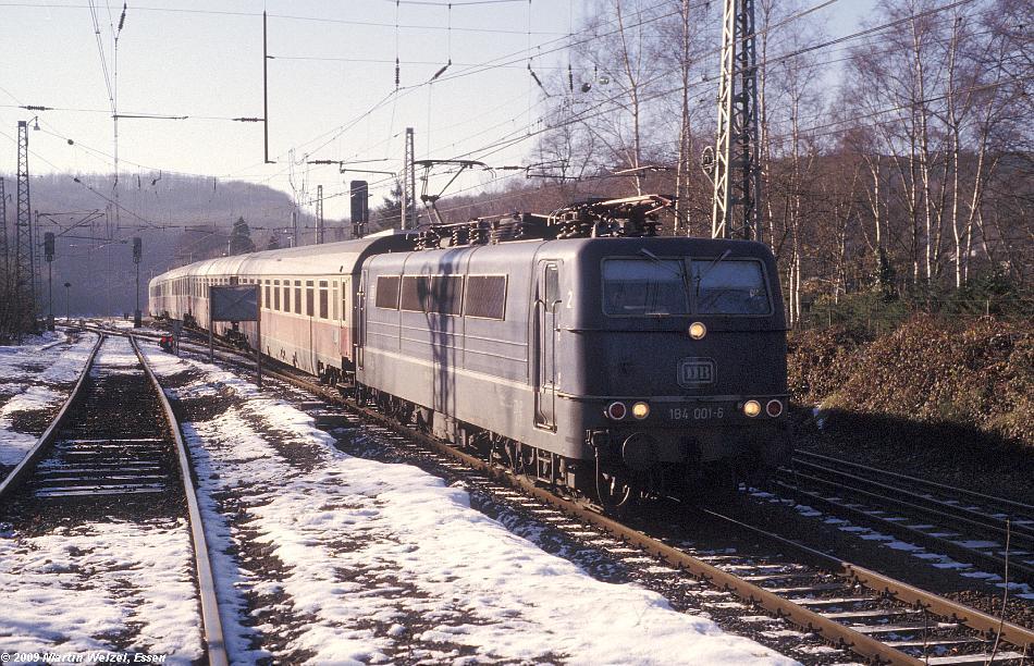 http://www.eisenbahnhobby.de/Aachen/110-39_184001_Aachen-Sued_6-12-78_S.JPG