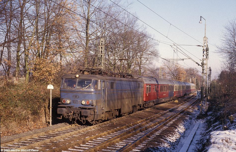 http://www.eisenbahnhobby.de/Aachen/110-40_1603_Aachen-Sued_6-12-78_S.JPG