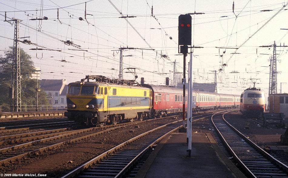 http://www.eisenbahnhobby.de/Aachen/110-6_1602_Aachen_9-11-78_S.JPG