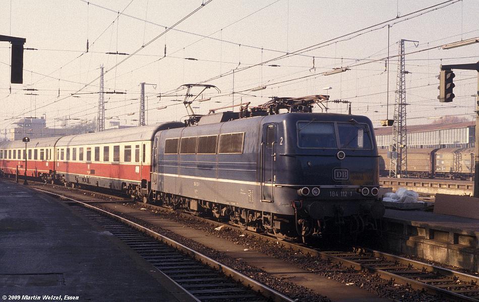 http://www.eisenbahnhobby.de/Aachen/110-8_184112_Aachen_9-11-78_S.JPG