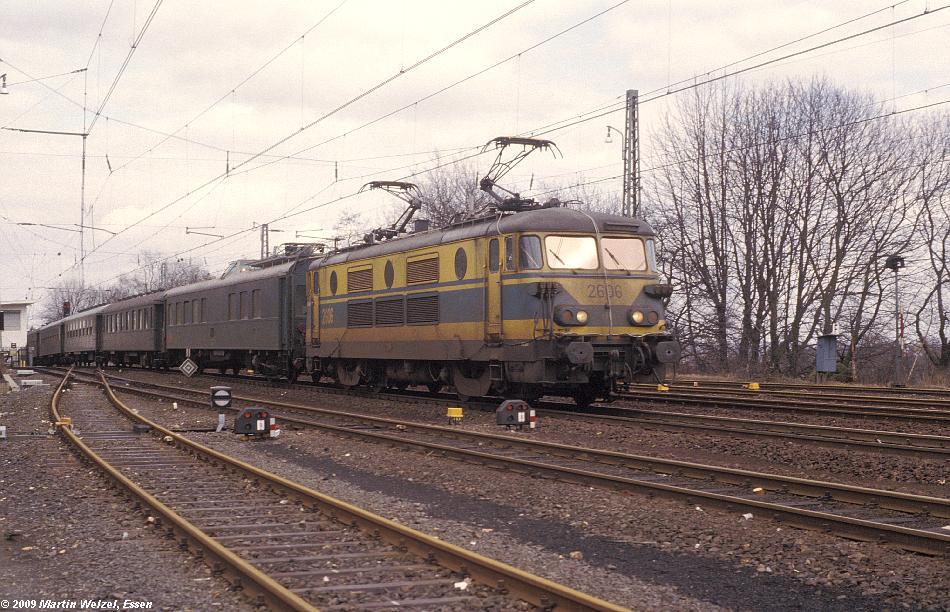 http://www.eisenbahnhobby.de/Aachen/113-34_2606_Aachen-Sued_12-3-79_S.JPG