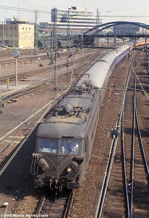 http://www.eisenbahnhobby.de/Aachen/134-21_2316_Aachen_14-8-79_S.JPG