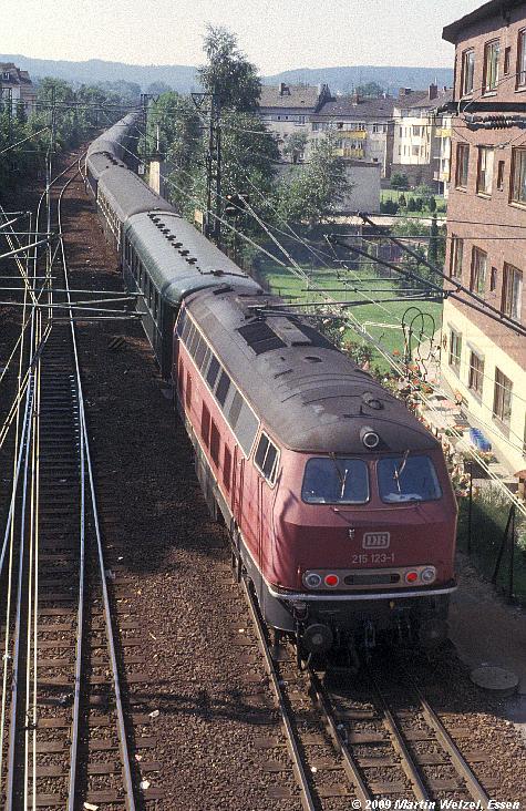 http://www.eisenbahnhobby.de/Aachen/134-22_215123_Aachen_14-8-79_S.JPG