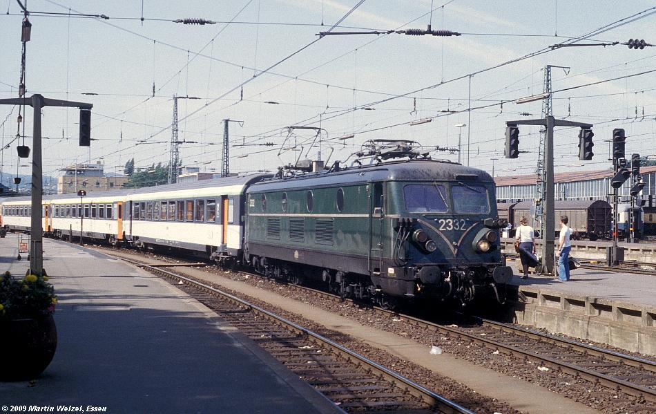 http://www.eisenbahnhobby.de/Aachen/134-25_2332_Aachen_14-8-79_S.JPG