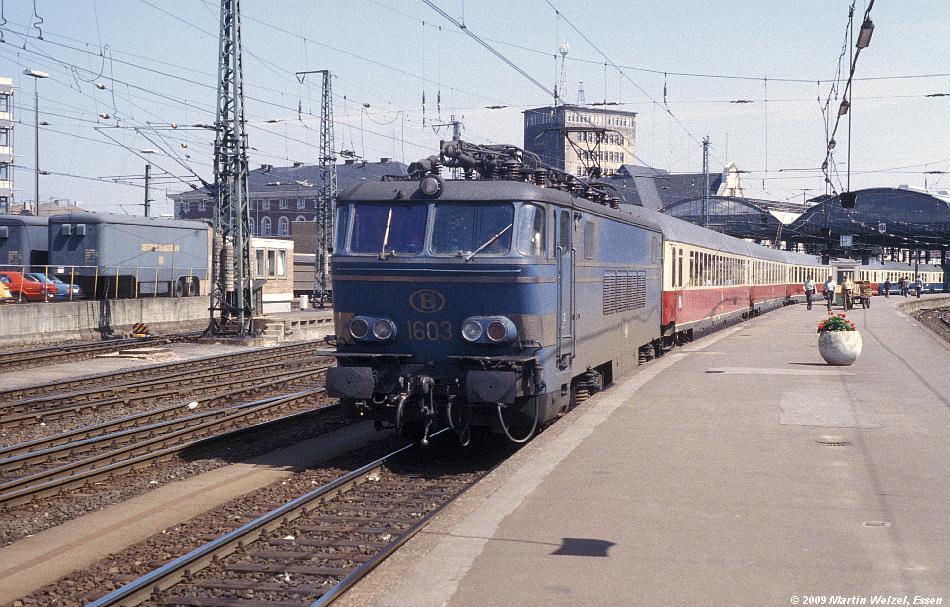 http://www.eisenbahnhobby.de/Aachen/134-31_1603_Aachen_14-8-79_S.JPG
