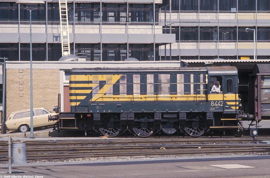 http://www.eisenbahnhobby.de/Aachen/134-35_8442_Aachen_14-8-79_S.JPG