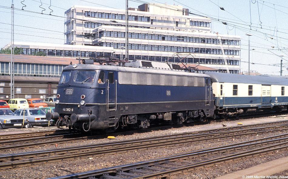 http://www.eisenbahnhobby.de/Aachen/134-40_110382_Aachen_14-8-79_S.JPG