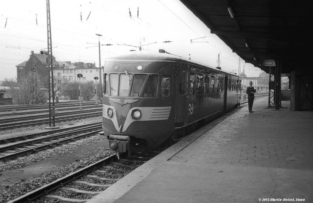 http://www.eisenbahnhobby.de/Aachen/SW605-27_NS43_Aachen-West_29-10-74_S.jpg