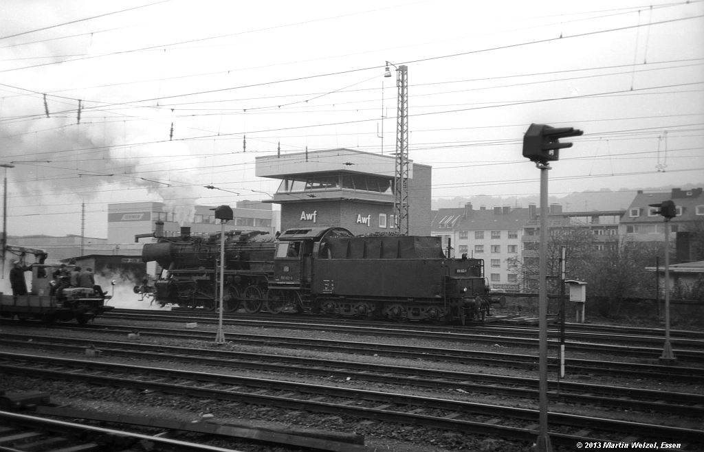http://www.eisenbahnhobby.de/Aachen/SW605-30_050622_Aachen-West_31-10-74_S.jpg