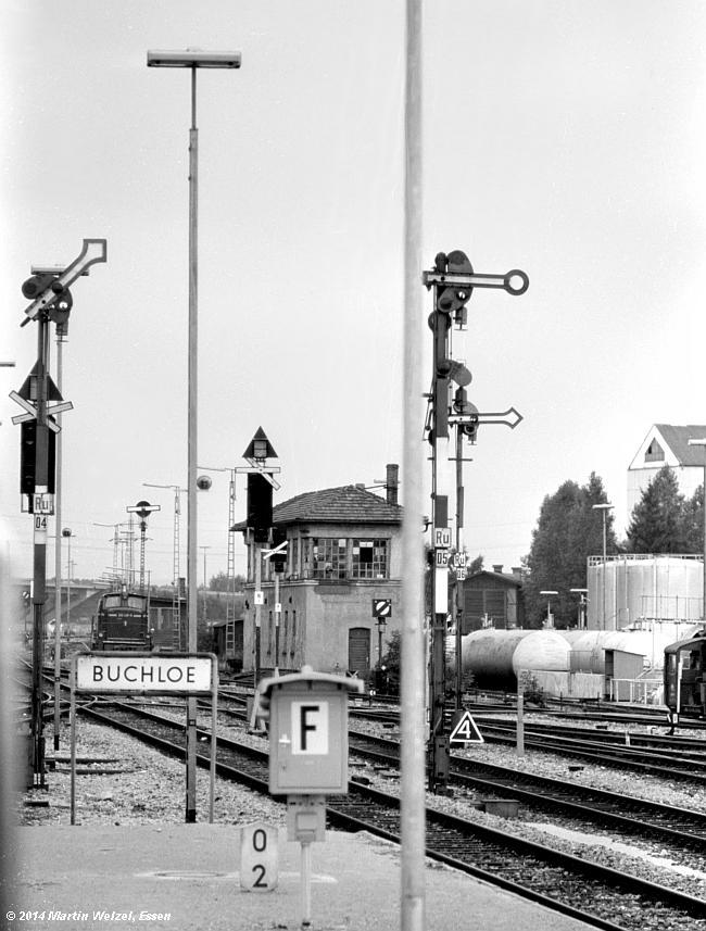 http://www.eisenbahnhobby.de/Allgaeu/SW741-40_SignalD4-D5-D6_Buchloe_21-8-75_S.jpg