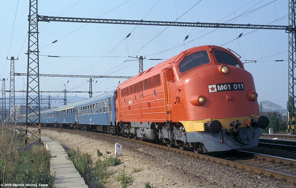 http://www.eisenbahnhobby.de/Budapest/255-47_M61-011_Bp-Kelenfoeld_21-9-89_S.JPG
