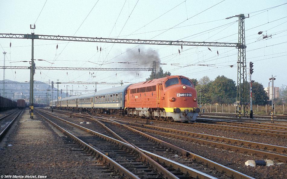 http://www.eisenbahnhobby.de/Budapest/256-19_M61-015_Bp-Kelenfoeld_21-9-89_S.JPG