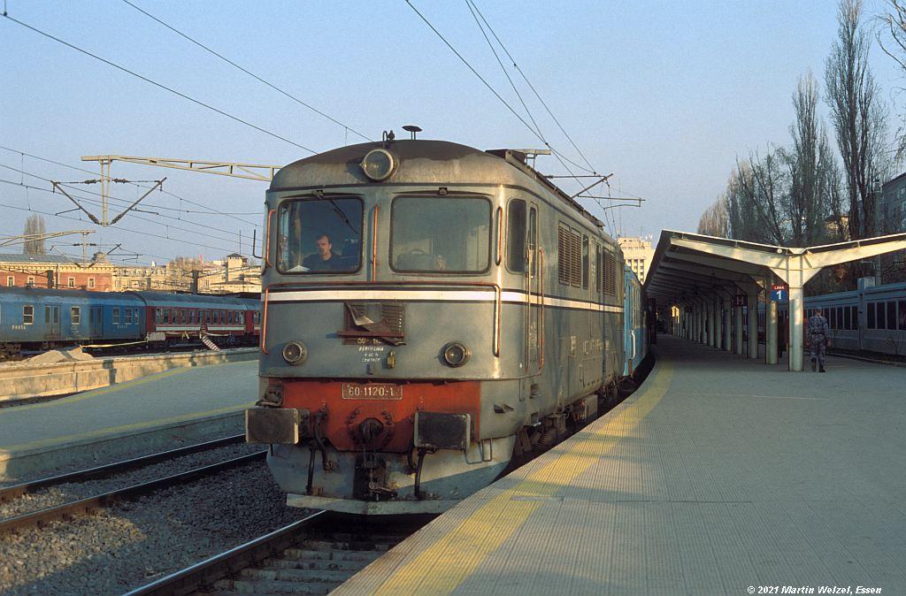 http://www.eisenbahnhobby.de/CFR/620-50_60-1120_Bukarest-Nord_30-3-04_S.JPG