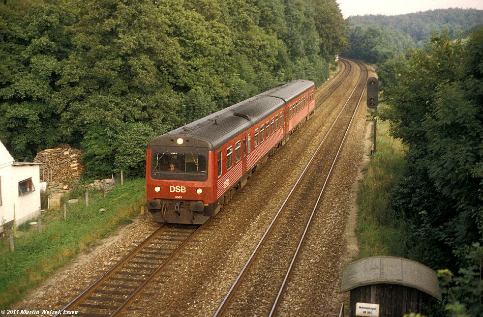 http://www.eisenbahnhobby.de/DSB/177-40_MR4043_Oersbjerg_31-8-81_S.JPG