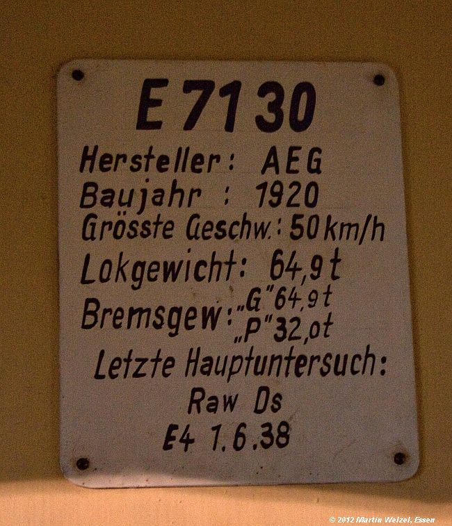 http://www.eisenbahnhobby.de/Dresden/Z2533_E71-30_VMDresden_16-10-12.jpg