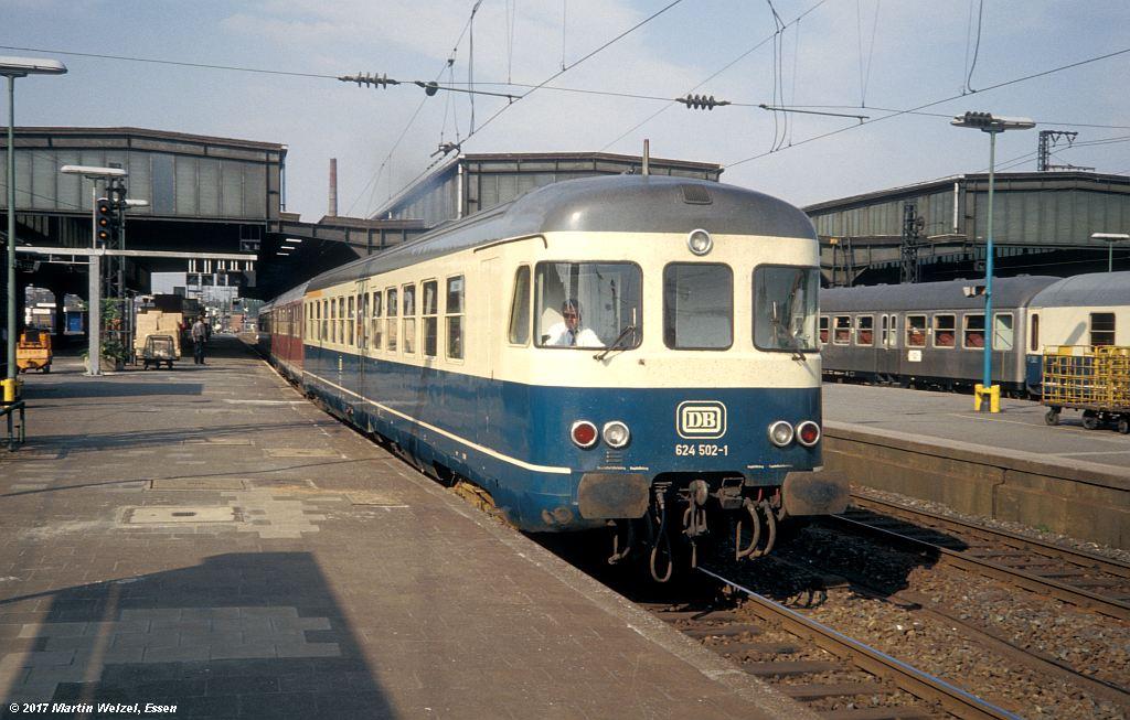 http://www.eisenbahnhobby.de/Duesseldorf/154-46_624502_DuesseldorfHbf_16-5-80_S.jpg