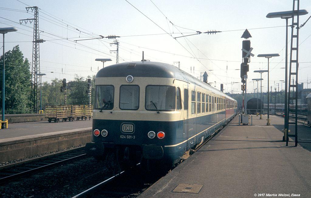 http://www.eisenbahnhobby.de/Duesseldorf/154-47_624501_DuesseldorfHbf_16-5-80_S.jpg