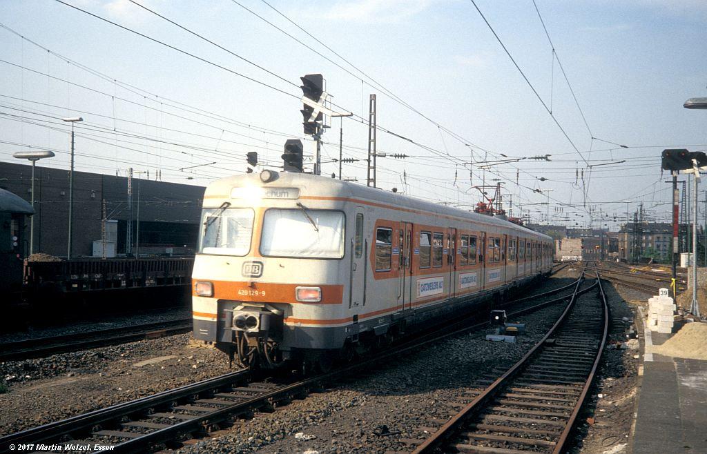 http://www.eisenbahnhobby.de/Duesseldorf/154-49_420129_DuesseldorfHbf_16-5-80_S.jpg