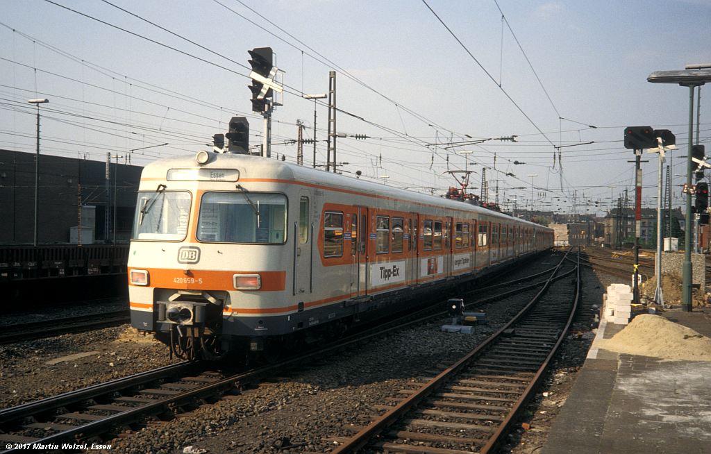http://www.eisenbahnhobby.de/Duesseldorf/155-1_420659_DuesseldorfHbf_16-5-80_S.jpg
