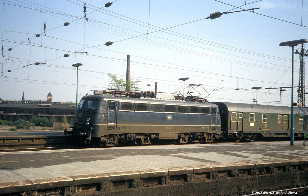 http://www.eisenbahnhobby.de/Duesseldorf/155-2_110510_DuesseldorfHbf_16-5-80_S.jpg