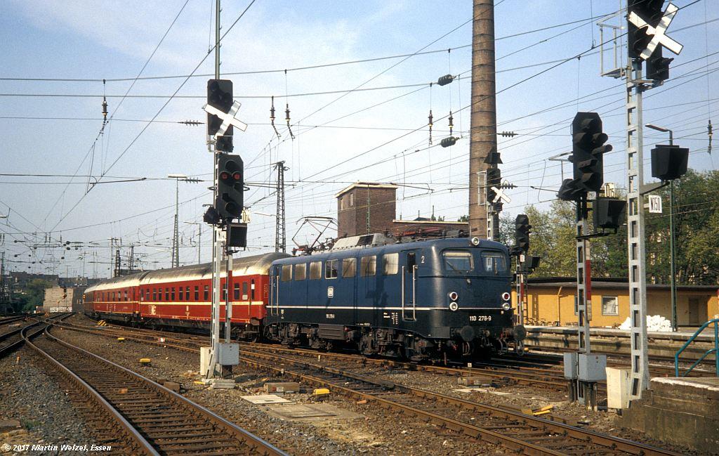 http://www.eisenbahnhobby.de/Duesseldorf/155-4_110278_DuesseldorfHbf_16-5-80_S.jpg