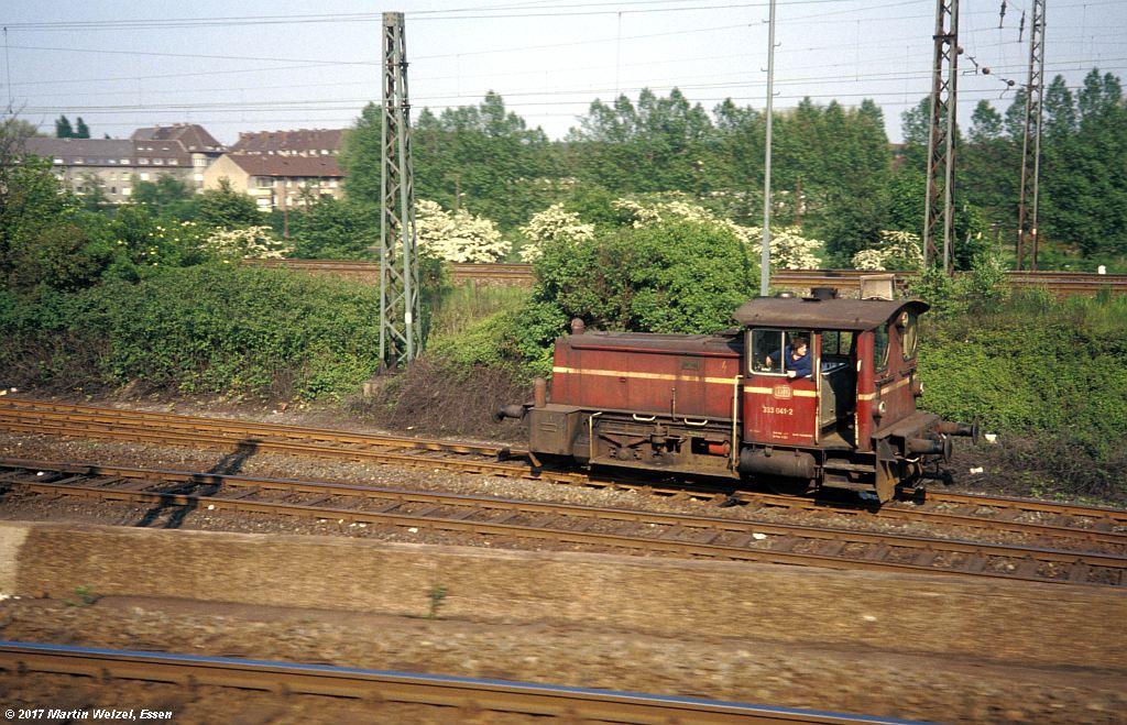 http://www.eisenbahnhobby.de/Duisburg/154-45_333041_BwDuisburgHbf_16-5-80_S.jpg