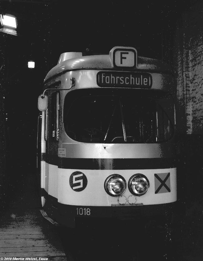 http://www.eisenbahnhobby.de/Duisburg/SW1022-32_DVG1018_DU-Grunewald_14-3-82_S.JPG