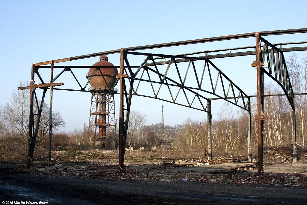 http://www.eisenbahnhobby.de/Duisburg/Z11520_Wasserturm_Lokschuppen_DU-Wedau_13-2-15.jpg