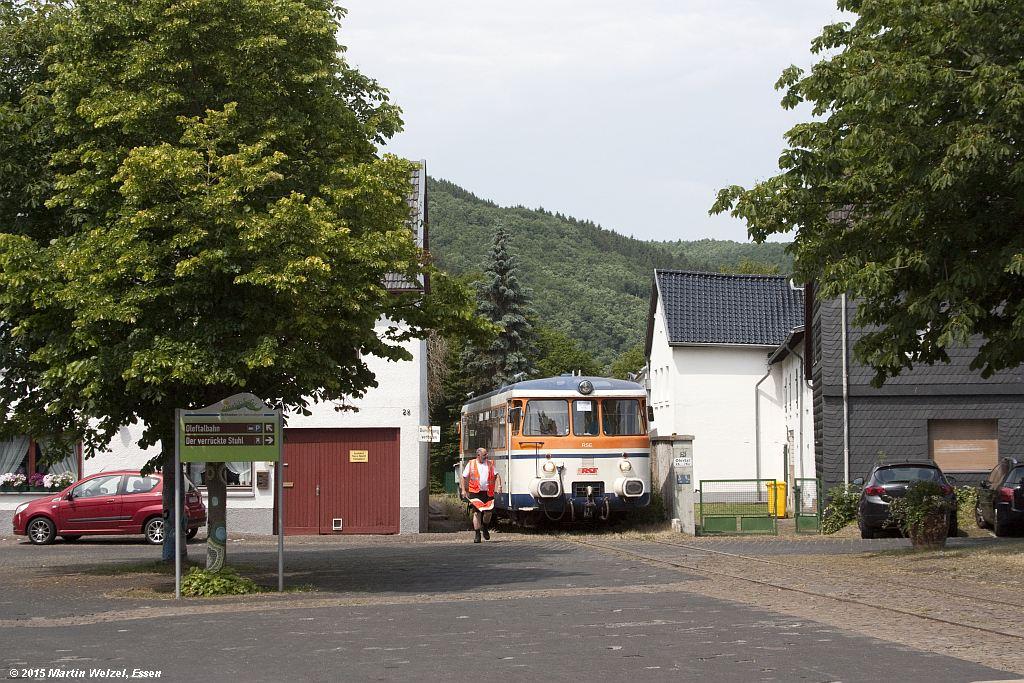 http://www.eisenbahnhobby.de/Eifel/Z13177_302009_Olef_5-7-15.jpg