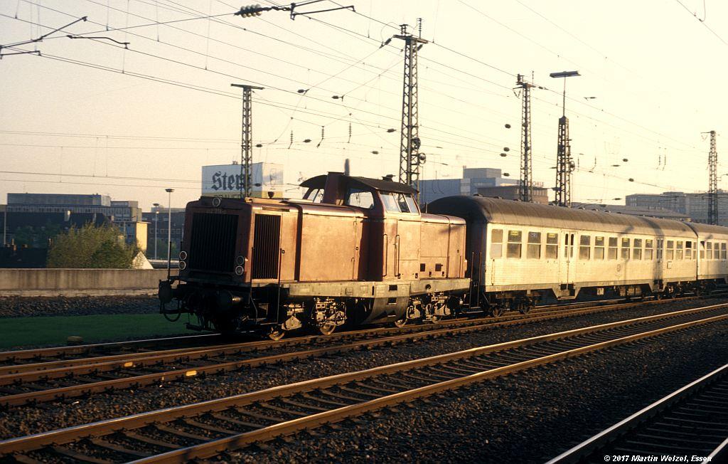 http://www.eisenbahnhobby.de/Essen/152-40_212318_EssenHbf_12-5-80_S.jpg