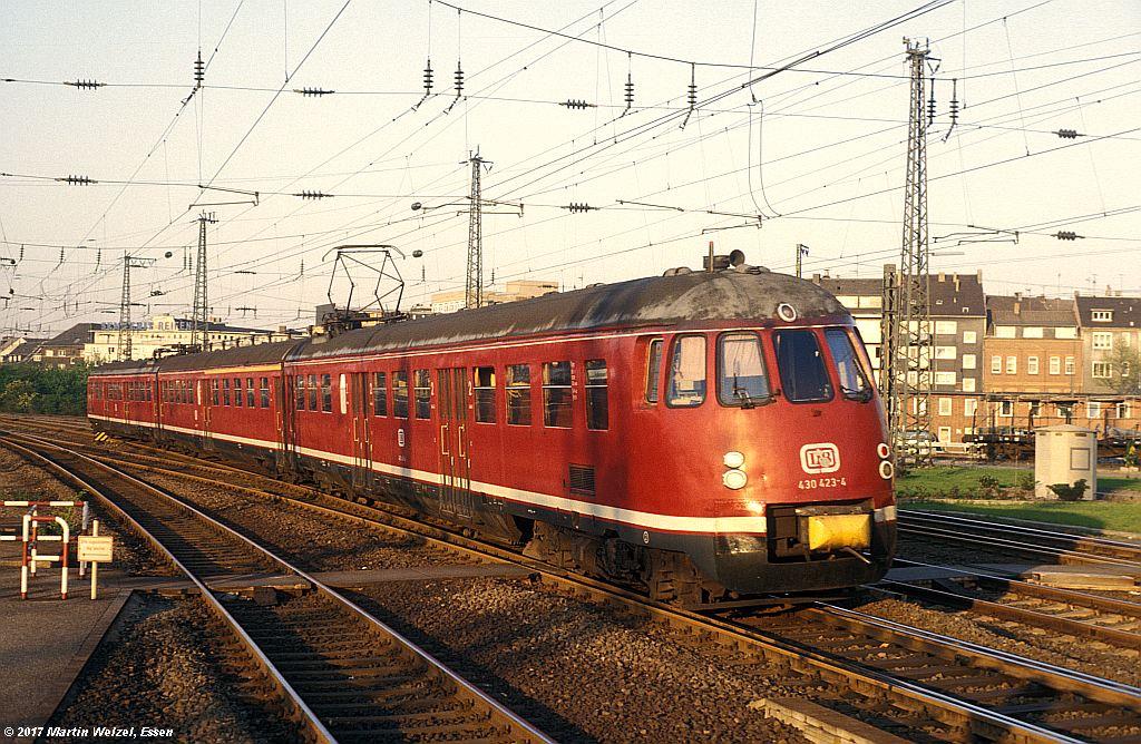 http://www.eisenbahnhobby.de/Essen/152-42_430423_EssenHbf_12-5-80_S.jpg