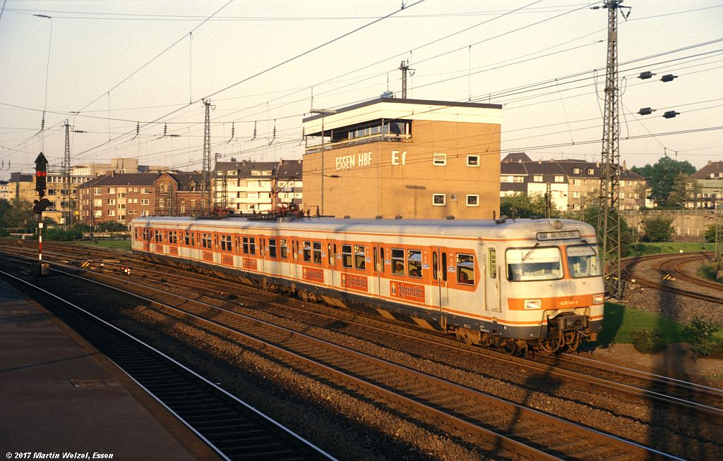 http://www.eisenbahnhobby.de/Essen/152-43_420641_EssenHbf_12-5-80_S.jpg