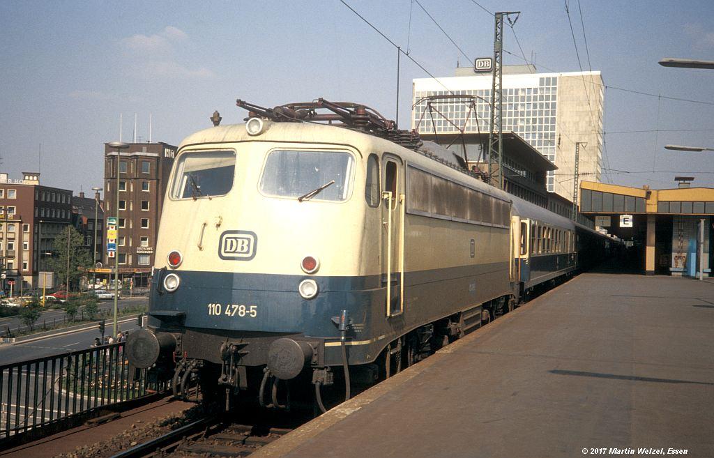 http://www.eisenbahnhobby.de/Essen/154-39_110478_EssenHbf_16-5-80_S.jpg