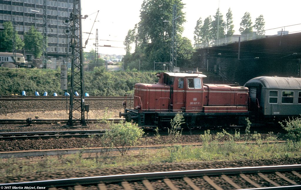 http://www.eisenbahnhobby.de/Essen/154-41_261827_EssenHbf_16-5-80_S.jpg