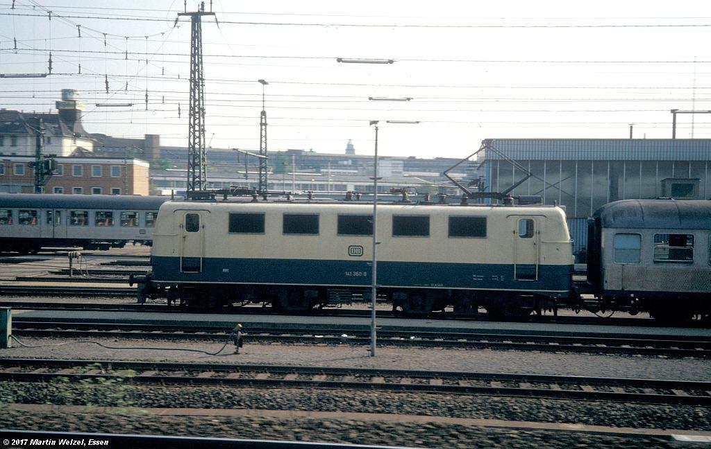 http://www.eisenbahnhobby.de/Essen/154-42_141360_Essen-Waldthausen_16-5-80_S.jpg