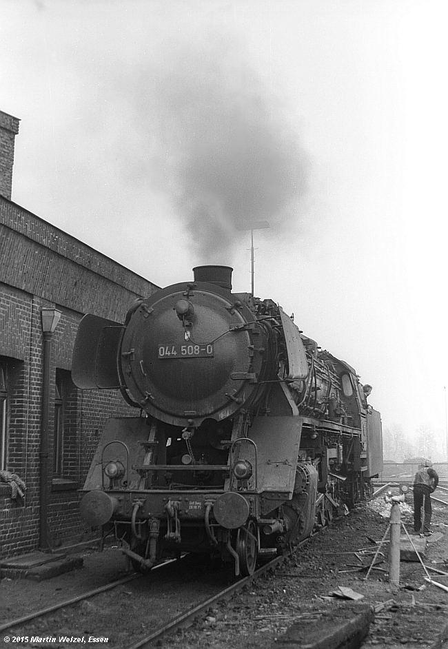 http://www.eisenbahnhobby.de/G-B/SW427-4_044508_GE-Bismarck_8-11-73_S.jpg