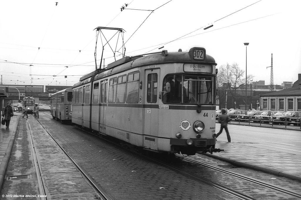 http://www.eisenbahnhobby.de/Gelsenkirchen/SW1013-26_BGS44_GelsenkirchenHbf_30-1-82_S.jpg