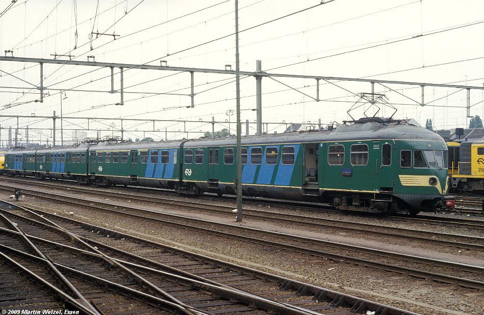 http://www.eisenbahnhobby.de/Holland/128-36_Bk660_Maastricht_15-7-79_S.JPG
