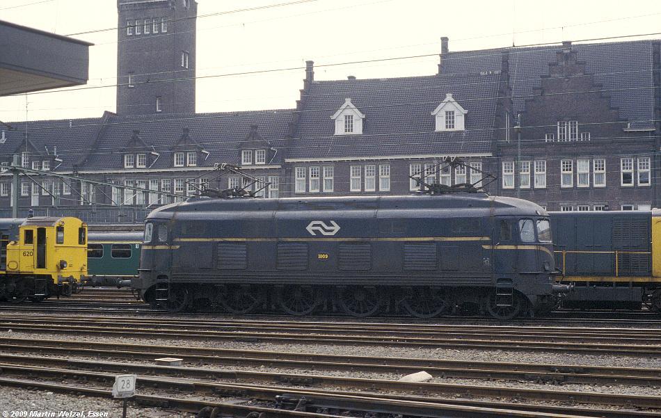 http://www.eisenbahnhobby.de/Holland/128-40_1009_Maastricht_15-7-79_S.JPG