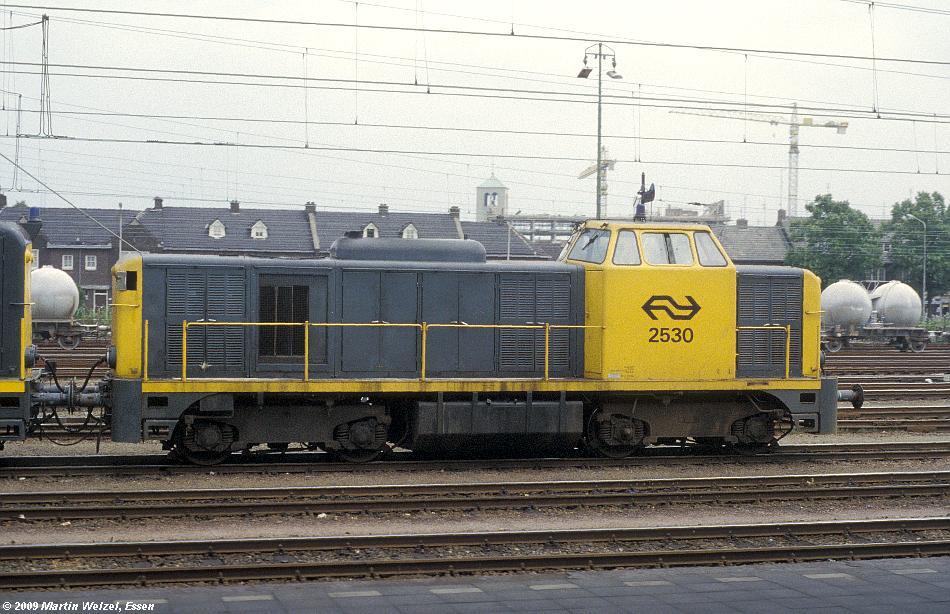 http://www.eisenbahnhobby.de/Holland/128-46_2530_Maastricht_18-7-79_S.JPG