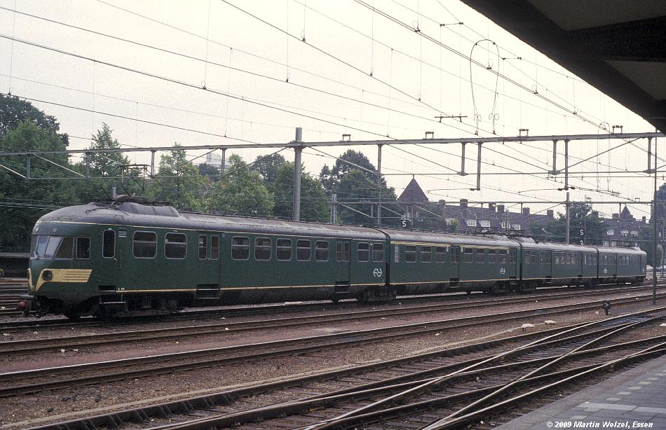 http://www.eisenbahnhobby.de/Holland/134-46_Bk658_Maastricht_28-8-79_S.JPG