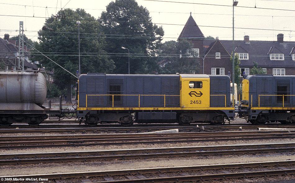 http://www.eisenbahnhobby.de/Holland/134-47_2453_Maastricht_28-8-79_S.JPG