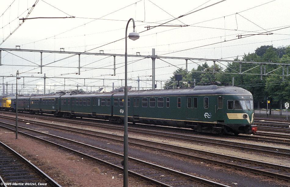 http://www.eisenbahnhobby.de/Holland/134-49_BDk658_Maastricht_28-8-79_S.JPG