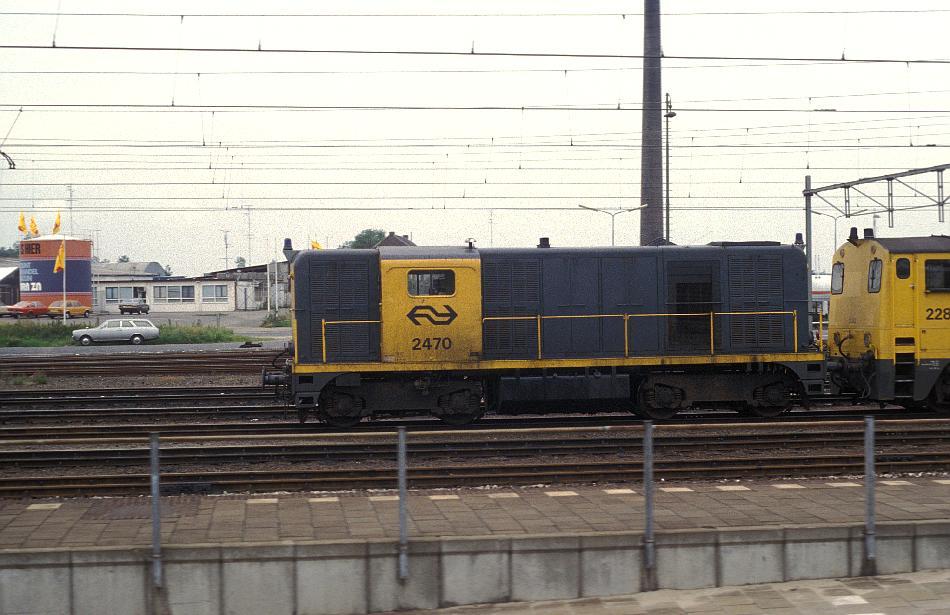 http://www.eisenbahnhobby.de/Holland/135-12_2470_Sittard_28-8-79_S.JPG