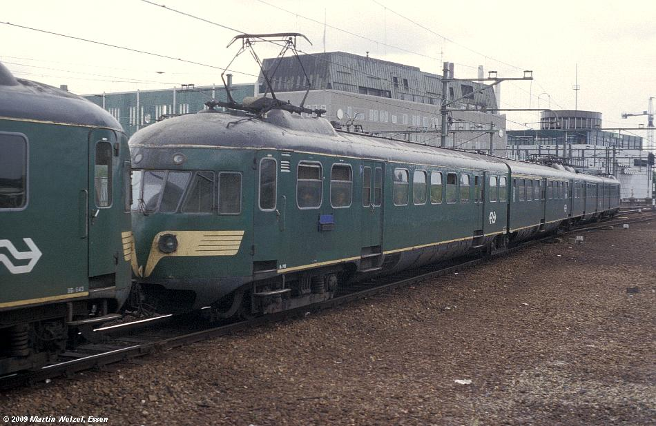http://www.eisenbahnhobby.de/Holland/135-17_Bk702_Eindhoven_28-8-79_S.JPG