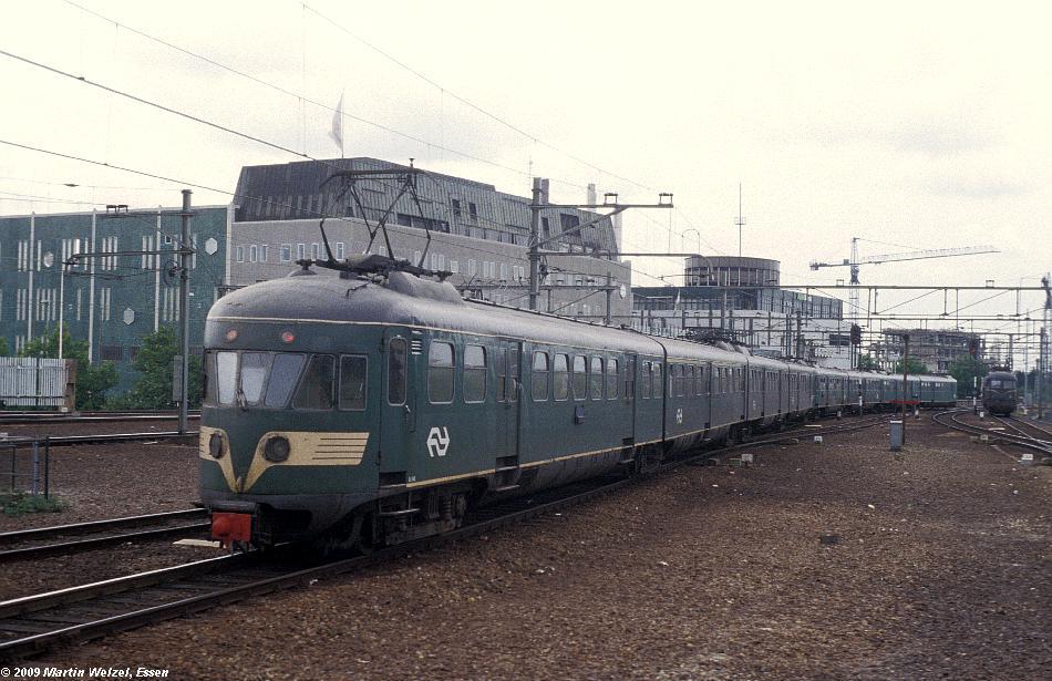 http://www.eisenbahnhobby.de/Holland/135-18_Bk643_Eindhoven_28-8-79_S.JPG