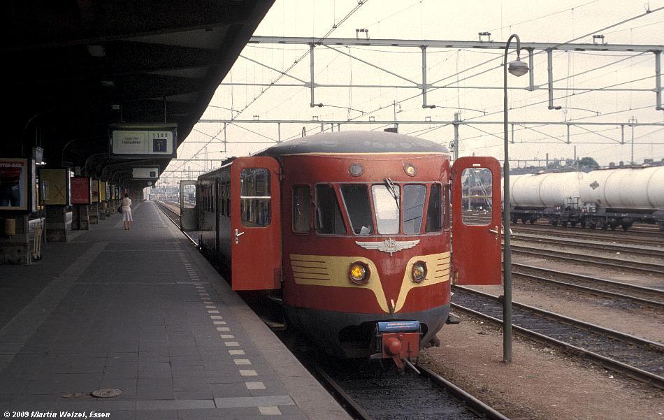 http://www.eisenbahnhobby.de/Holland/135-2_ABD47_Maastricht_28-8-79_S.JPG