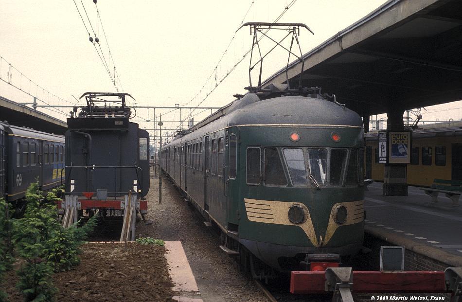 http://www.eisenbahnhobby.de/Holland/135-3_Bk643_Maastricht_28-8-79_S.JPG