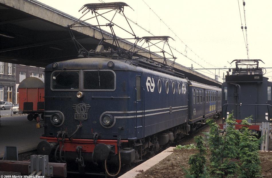 http://www.eisenbahnhobby.de/Holland/135-4_1110_Maastricht_28-8-79_S.JPG